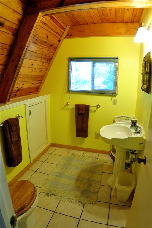 Cabin Kingfisher Bathroom