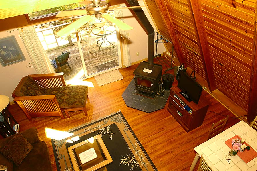 Cabin Kingfisher Cabin Living Room View frm Loft Bedroom
