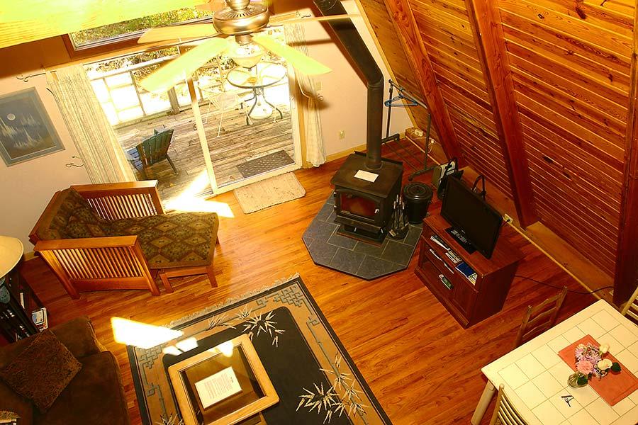 Cabin Kingfisher Cabin Living Room View frm Loft Bedroom