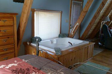 Kingfisher Cabin 2 feature